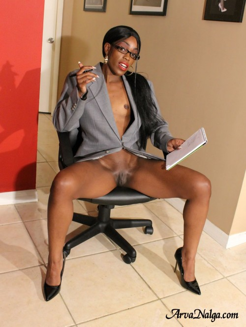 Ebony secretary, Arva Nalga, spreads her legs and shows pussy to get the job.